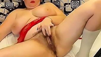 hairy pussy milf cam